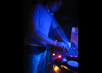 jig-records-party2_07_03